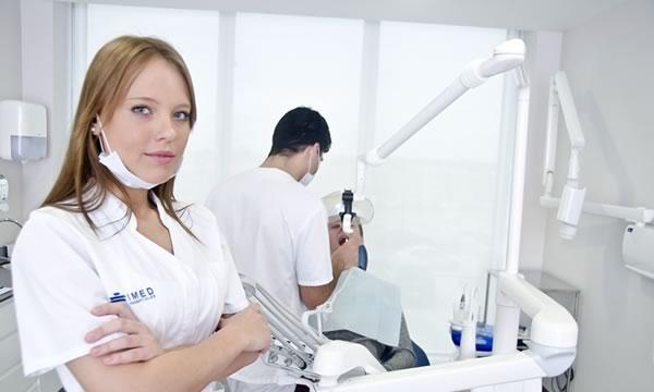 Clínicas dentales en Alicante y Valencia