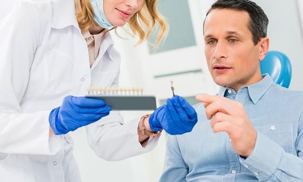 Implantes dentales en Alicante y Valencia